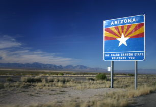 Entering_Arizona_on_I-10_Westbound-306x210